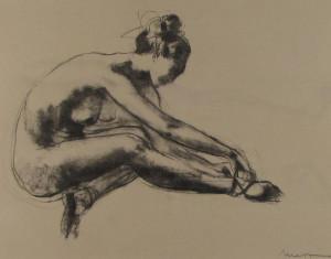 Messina-Ballerina che si tocca una caviglia